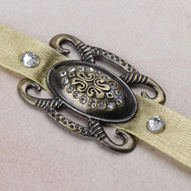 Antique Affectionate Rakhi CRO: Send Rakhi to Croatia