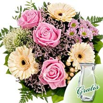 Flower Bouquet Ballade with vase: Just Because Flowers Delivery in Germany