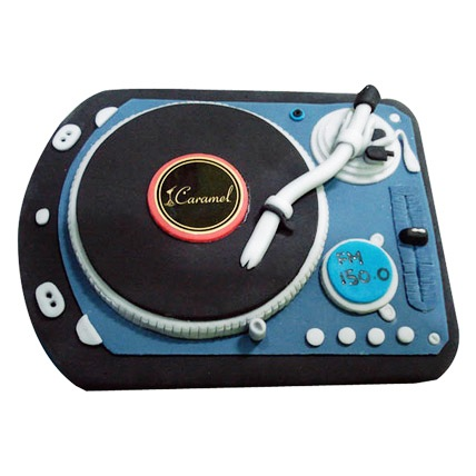DJ Spin That Cake 2kg Eggless Pineapple