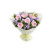 Floral Dreams: Send Gifts to Malaysia