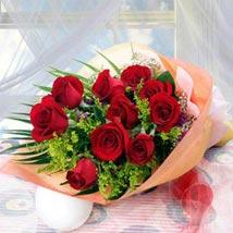 10 Long Stem Roses: Send Christmas Flowers to Singapore