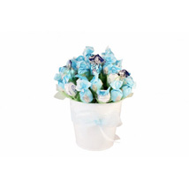 Blue sky sweet bouquet: Send Gifts to Spain
