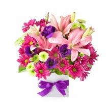 Birthday Blash: Send Flowers for Girlfriend to UAE