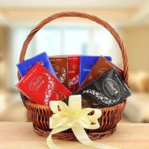 Delicious Delight: Send Diwali Gifts to UAE