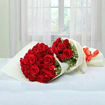 Exclusive Bouquet Of Roses: Valentines Day Gifts for Her