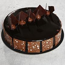 Fudge Cake: Send Cakes to Ajman