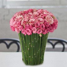 Plushy Pink: Flower Delivery in UAE