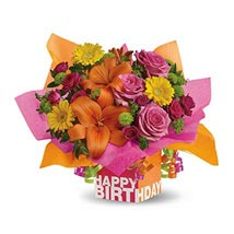 Rosy Birthday Present: Flower Delivery in UAE
