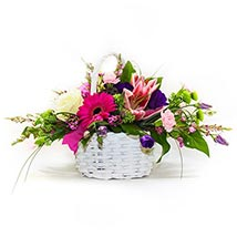 A Basket that Delights: House Warming Flowers to UK
