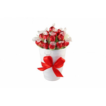 Endless Love Sweet Bouquet: Send Gifts to Leeds