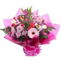 Gift For Mum: Christmas Flowers to UK