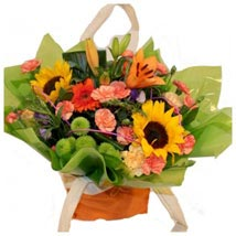 Happy Delight: House Warming Flowers to UK