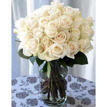 25 Long Stem White Roses: Send Birthday Gifts to Raleigh